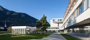 Außenansicht des REHA Zentrums Münster, Tirol.